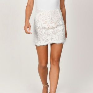 TOBI White lace scalloped skirt!